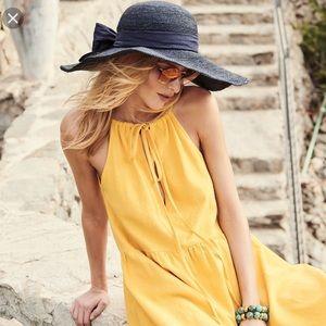 NEW Helen Kaminski Kahlo Wide Brim Hat 🌞